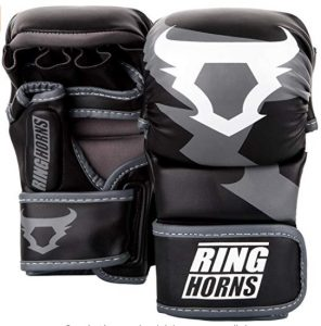 Guantes MMA Ringhorns Charger con pulgar protegido
